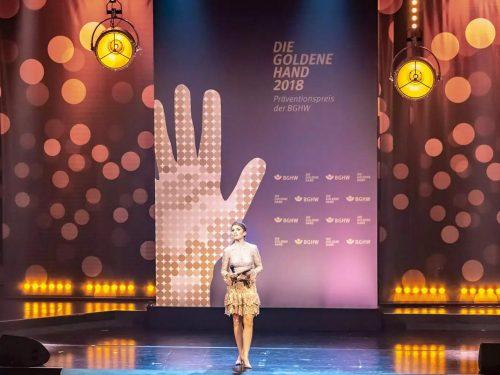 """Bühnenbild – """"Goldene Hand"""" 2018"""